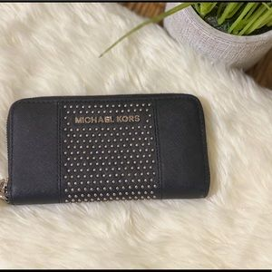 Michael Kors Small Studded Leather Wallet/Black